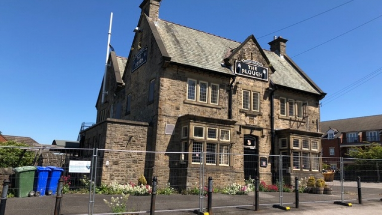 Prominent Public House To Let