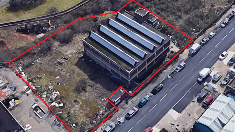 Warehouse/Industrial Premises with Large Yard To Let