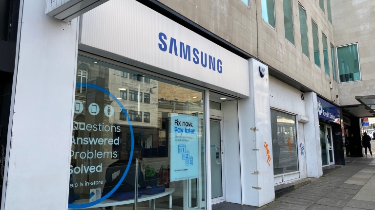 Double Fronted Sheffield City Centre Retail Unit To Let