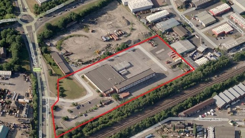 Substantial Office Building with Car Park in Rotherham To Let