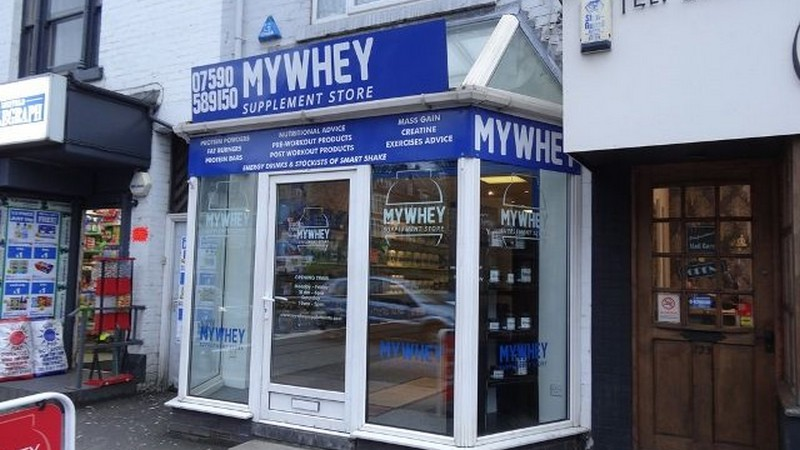 Prominent Main Road Shop To Let