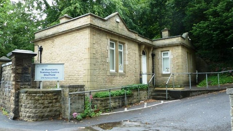Self-Contained Office Building in Conservation Area To Let